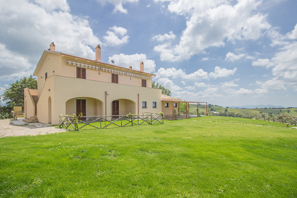 3x-Farmhouse-Poggio-al-Sole-Organic-Working-Farm-Campagnatico-Tuscany-For-sale-holiday-farm-Antonio-Russo-Real-Estate-Italy.jpg
