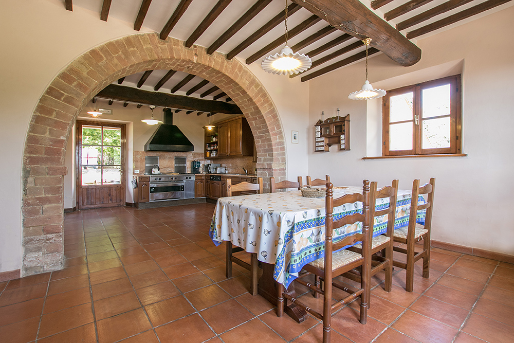 1-Casale-Dolci-Colline-Farm-Pienza-Siena-Countryside-Tuscany-For-sale-farmhouses-country-homes-in-Italy-Antonio-Russo-Real-Estate.jpg