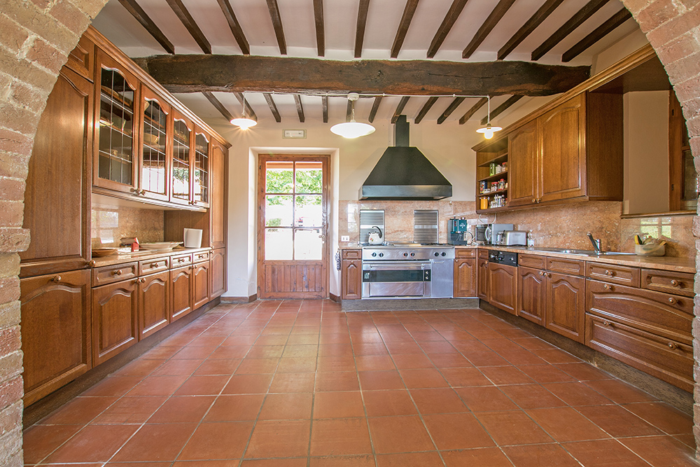 2-Casale-Dolci-Colline-Farm-Pienza-Siena-Countryside-Tuscany-For-sale-farmhouses-country-homes-in-Italy-Antonio-Russo-Real-Estate.jpg