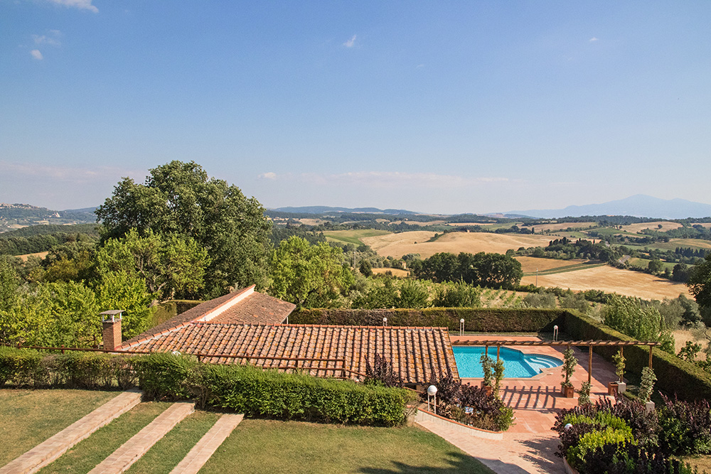 11-Casale-Dolci-Colline-Farm-Pienza-Siena-Countryside-Tuscany-For-sale-farmhouses-country-homes-in-Italy-Antonio-Russo-Real-Estate.jpg