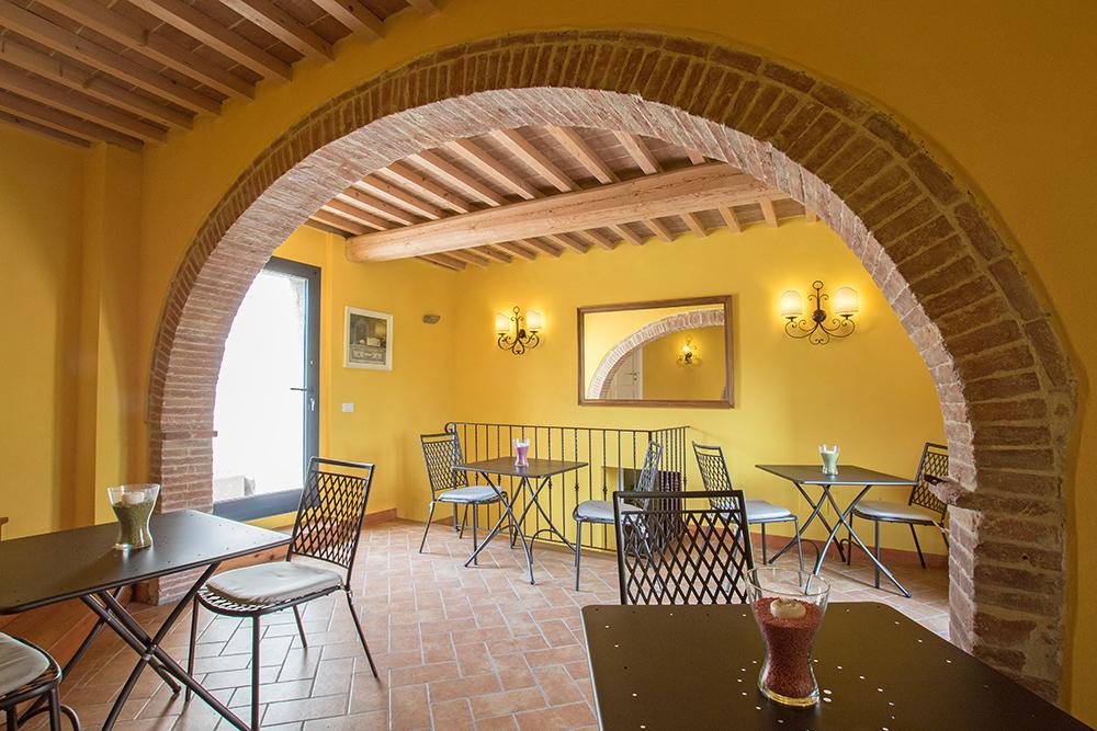 6-Casale-La-Lucciola-Farm-Sinalunga-Siena-Countryside-Tuscany-For-sale-farmhouses-country-homes-in-Italy-Antonio-Russo-Real-Estate.jpg