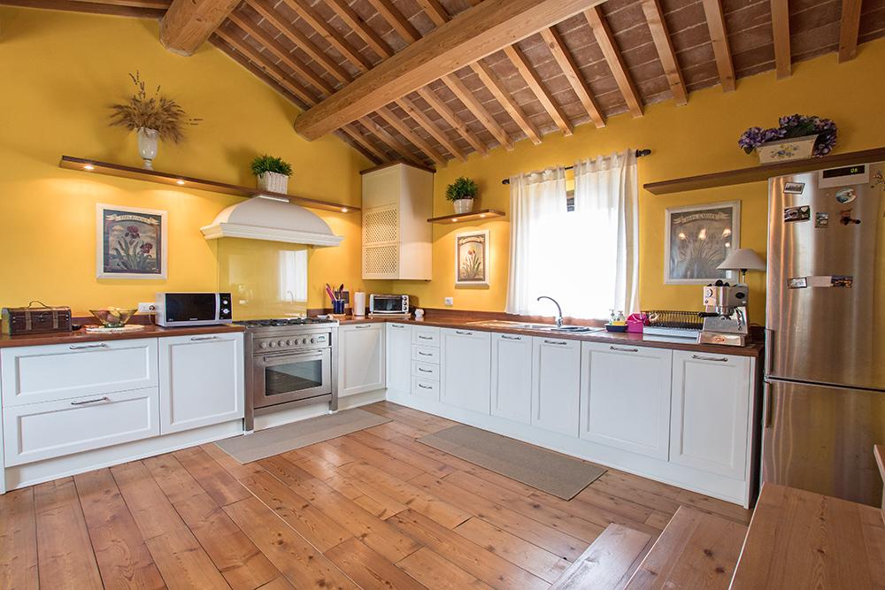 9-Casale-La-Lucciola-Farm-Sinalunga-Siena-Countryside-Tuscany-For-sale-farmhouses-country-homes-in-Italy-Antonio-Russo-Real-Estate.jpg