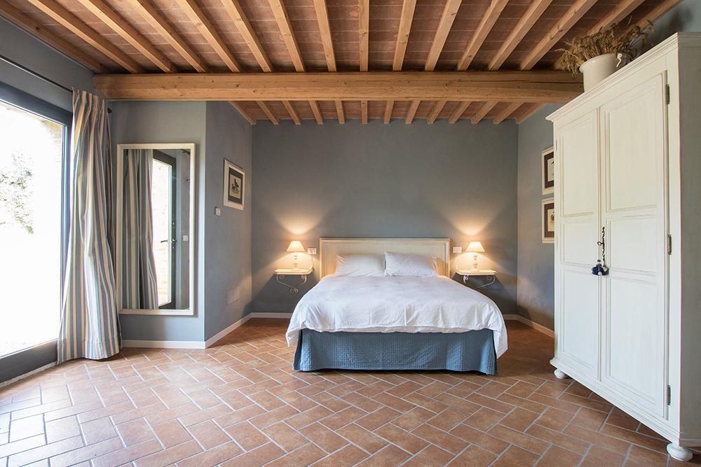 11-Casale-La-Lucciola-Farm-Sinalunga-Siena-Countryside-Tuscany-For-sale-farmhouses-country-homes-in-Italy-Antonio-Russo-Real-Estate.jpg