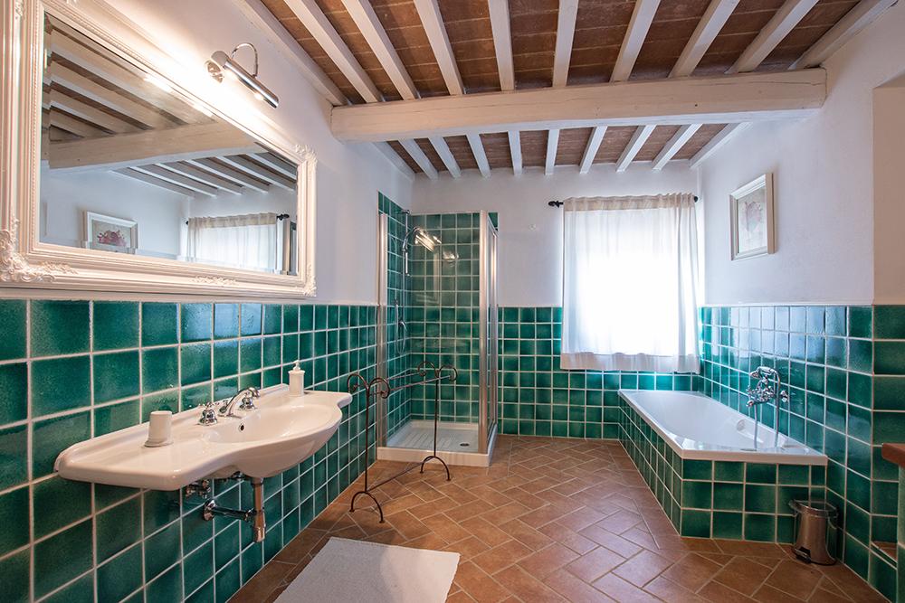 14-Casale-La-Lucciola-Farm-Sinalunga-Siena-Countryside-Tuscany-For-sale-farmhouses-country-homes-in-Italy-Antonio-Russo-Real-Estate.jpg