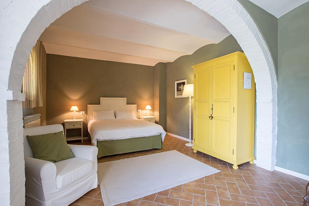 15-Casale-La-Lucciola-Farm-Sinalunga-Siena-Countryside-Tuscany-For-sale-farmhouses-country-homes-in-Italy-Antonio-Russo-Real-Estate.jpg