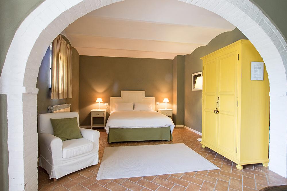 17-Casale-La-Lucciola-Farm-Sinalunga-Siena-Countryside-Tuscany-For-sale-farmhouses-country-homes-in-Italy-Antonio-Russo-Real-Estate.jpg