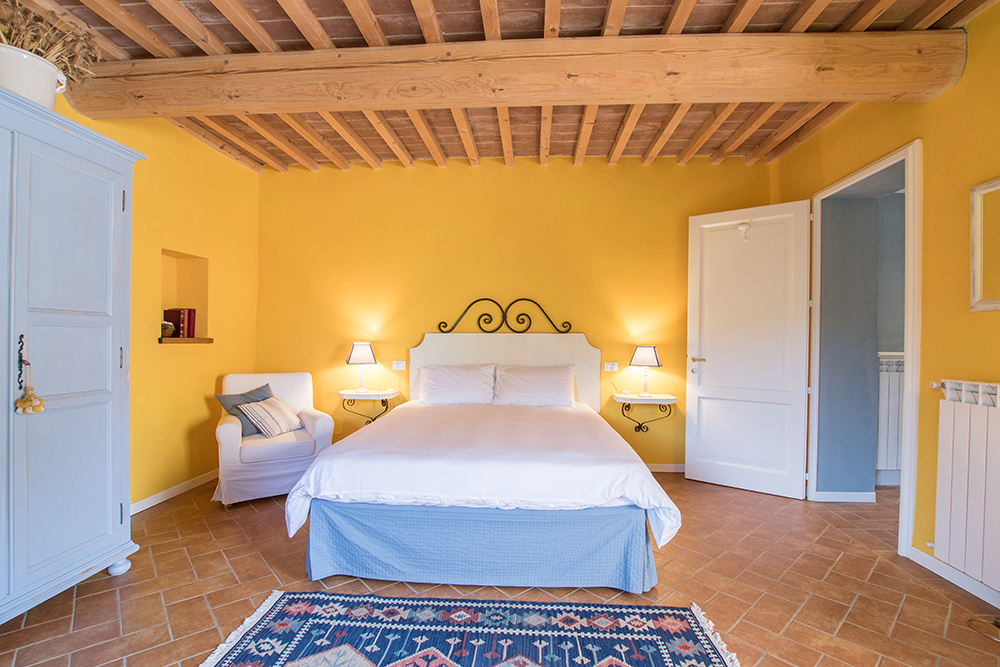 19-Casale-La-Lucciola-Farm-Sinalunga-Siena-Countryside-Tuscany-For-sale-farmhouses-country-homes-in-Italy-Antonio-Russo-Real-Estate.jpg