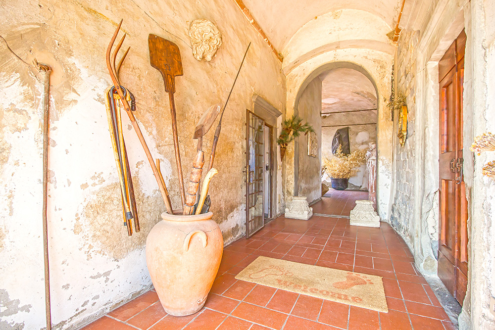 3-Casale-Il-Palagio-Farm-San-Casciano-Val-di-Pesa-Firenze-Countryside-Tuscany-For-sale-farmhouses-country-homes-in-Italy-Antonio-Russo-Real-Estate.jpg
