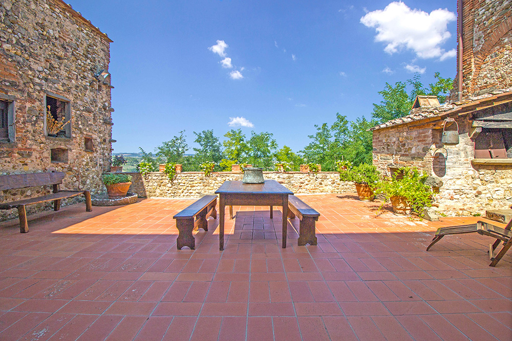 6-Casale-Il-Palagio-Farm-San-Casciano-Val-di-Pesa-Firenze-Countryside-Tuscany-For-sale-farmhouses-country-homes-in-Italy-Antonio-Russo-Real-Estate.jpg