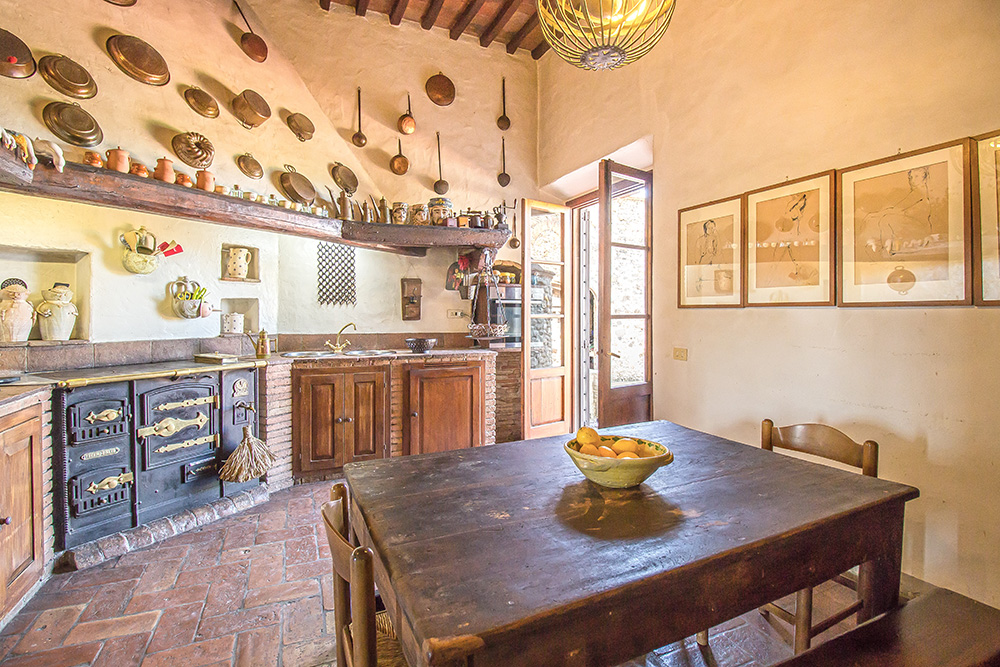 10-Casale-Il-Palagio-Farm-San-Casciano-Val-di-Pesa-Firenze-Countryside-Tuscany-For-sale-farmhouses-country-homes-in-Italy-Antonio-Russo-Real-Estate.jpg