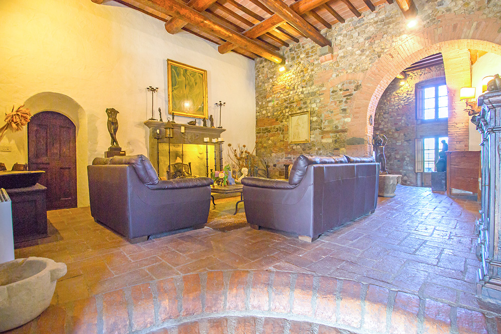 11-Casale-Il-Palagio-Farm-San-Casciano-Val-di-Pesa-Firenze-Countryside-Tuscany-For-sale-farmhouses-country-homes-in-Italy-Antonio-Russo-Real-Estate.jpg