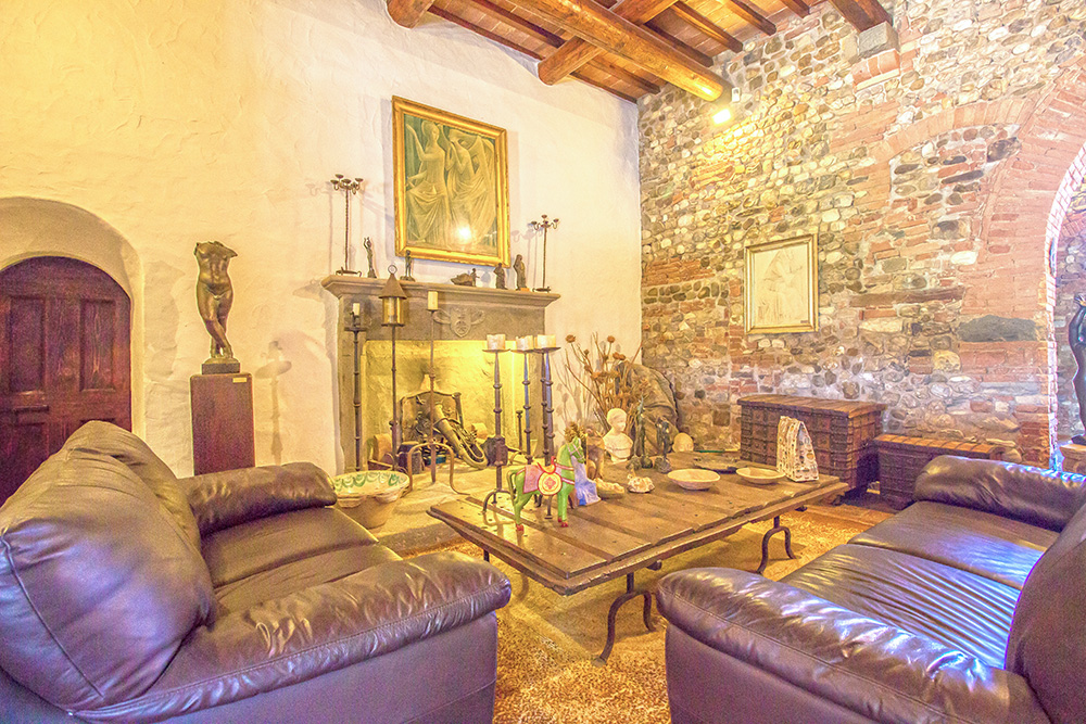 12-Casale-Il-Palagio-Farm-San-Casciano-Val-di-Pesa-Firenze-Countryside-Tuscany-For-sale-farmhouses-country-homes-in-Italy-Antonio-Russo-Real-Estate.jpg