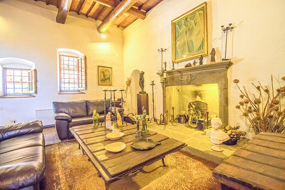 13-Casale-Il-Palagio-Farm-San-Casciano-Val-di-Pesa-Firenze-Countryside-Tuscany-For-sale-farmhouses-country-homes-in-Italy-Antonio-Russo-Real-Estate.jpg