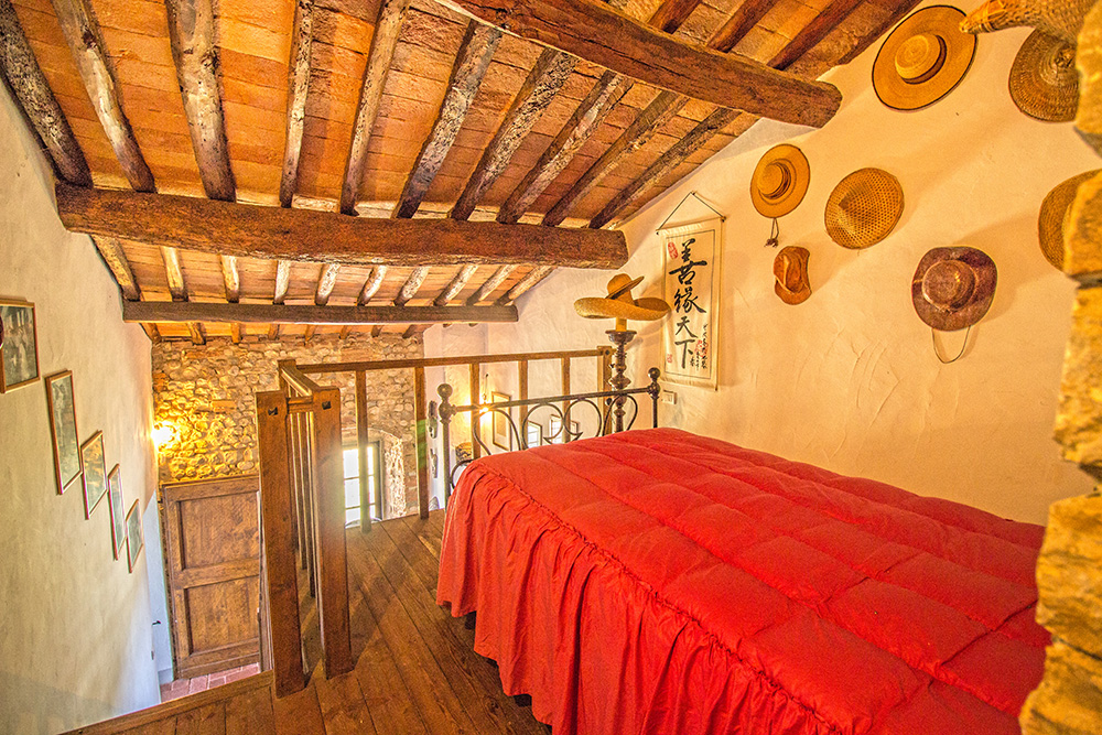 40-Casale-Il-Palagio-Farm-San-Casciano-Val-di-Pesa-Firenze-Countryside-Tuscany-For-sale-farmhouses-country-homes-in-Italy-Antonio-Russo-Real-Estate.jpg