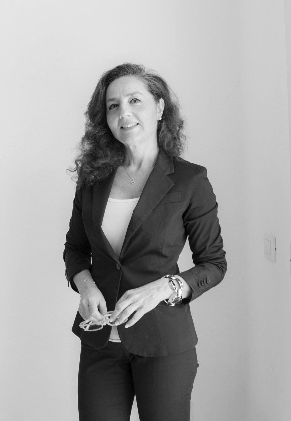 ALESSANDRA DE TOMA - Real Estate Agent