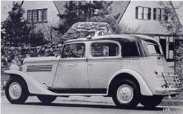 1935 Model Y styling shows the Auburn influence ( www.checkerworld.org )