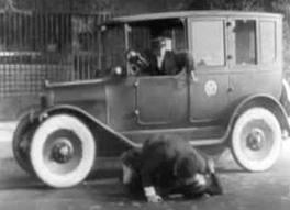 1923 Checker Model C ( www.coachbuilt.com )