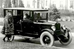 1923 Maxwell ( www.macsmotorcitygarage.com )