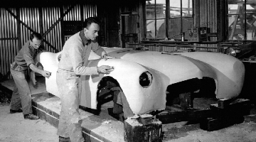 Glasspar body being prepared ( www.forgottenFiberglass.com )