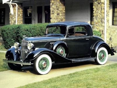1933 PONTIAC STRAIGHT EIGHT COUPE  - WITH GOOD VALUE AND GREAT LOOKS, PONTIAC RIDES OUT THE DARKEST DAYS OF THE DEPRESSION. (WWW.DENZOSGARAGE.COM)