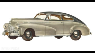 1941 PONTIAC TORPEDO 8 : ADDING THE LARGER C-BODY TO THE RANGE PUT PONTIAC IN DIRECT COMPETITION WITH OLDSMOBILE AND BUICK. OPENLY CHALLENGING YOUR OLDER BROTHERS CAN BE RISKY ( www.Motor1.com )