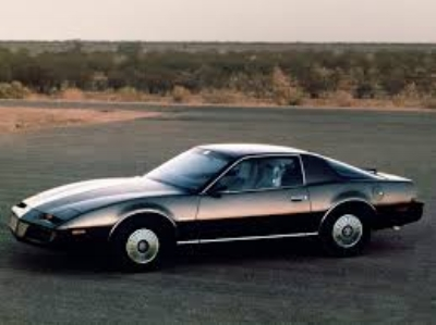 AFTER 11 YEARS RIDING ON THE SAME PLATFORM WITH VERY LITTLE CHANGE, SAVE FOR THOSE MANDATED BY FEDERAL BUREAUCRATS, THE  1982 PONTIAC FIREBIRD  USURED IN A NEW LOOK FOR A NEW DECADE AND NEW HOPE FOR CAR GUYS ( WWW.wheelsage.com )