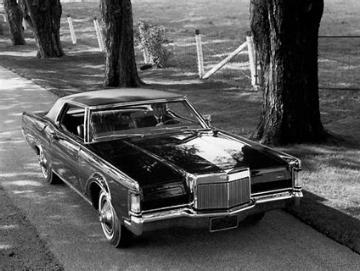 1969 Continental Mark III (www.en.wheelsage.net)