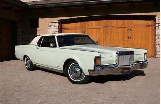 1970 Continental Mark III ( www.carnutzphoto.tumbler.com )
