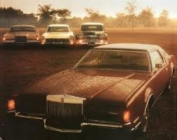 1972 Lincoln continental mark iv  (Lincoln Advert circa 1972)