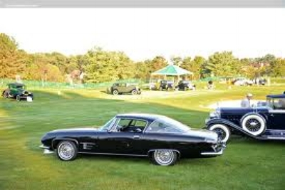A Dual-Ghia 6.4L on the storied lawn of the Pebble Beach Concours d'elegance (2014)