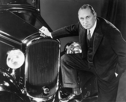 Walter P. Chrysler and the new Plymouth (www.jazzagefollies.com)