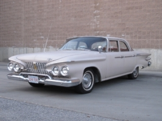 1961 Plymouth : what comes after over the top? Exner's last Plymouth (www.clunkbucket.com)