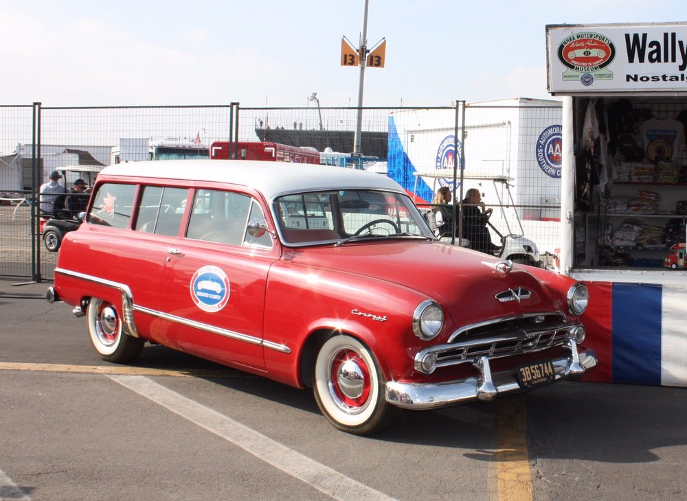 1950 plymouth SpeciaL suburban  at 2018 NHRA Winter Nationals (Mal Pearson)