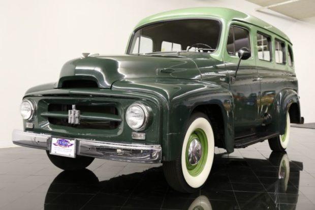 1954 International Series R-110 Travelall