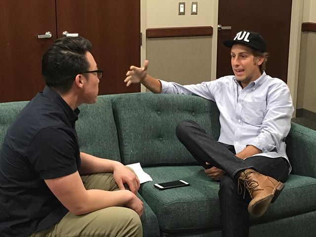 This weekend, we went backstage with @ben_rector and @minlee2 of @cities97 to chat about the @basilicablockparty, his backstage rituals and what he likes better: hot dogs or hamburgers. #witnessit