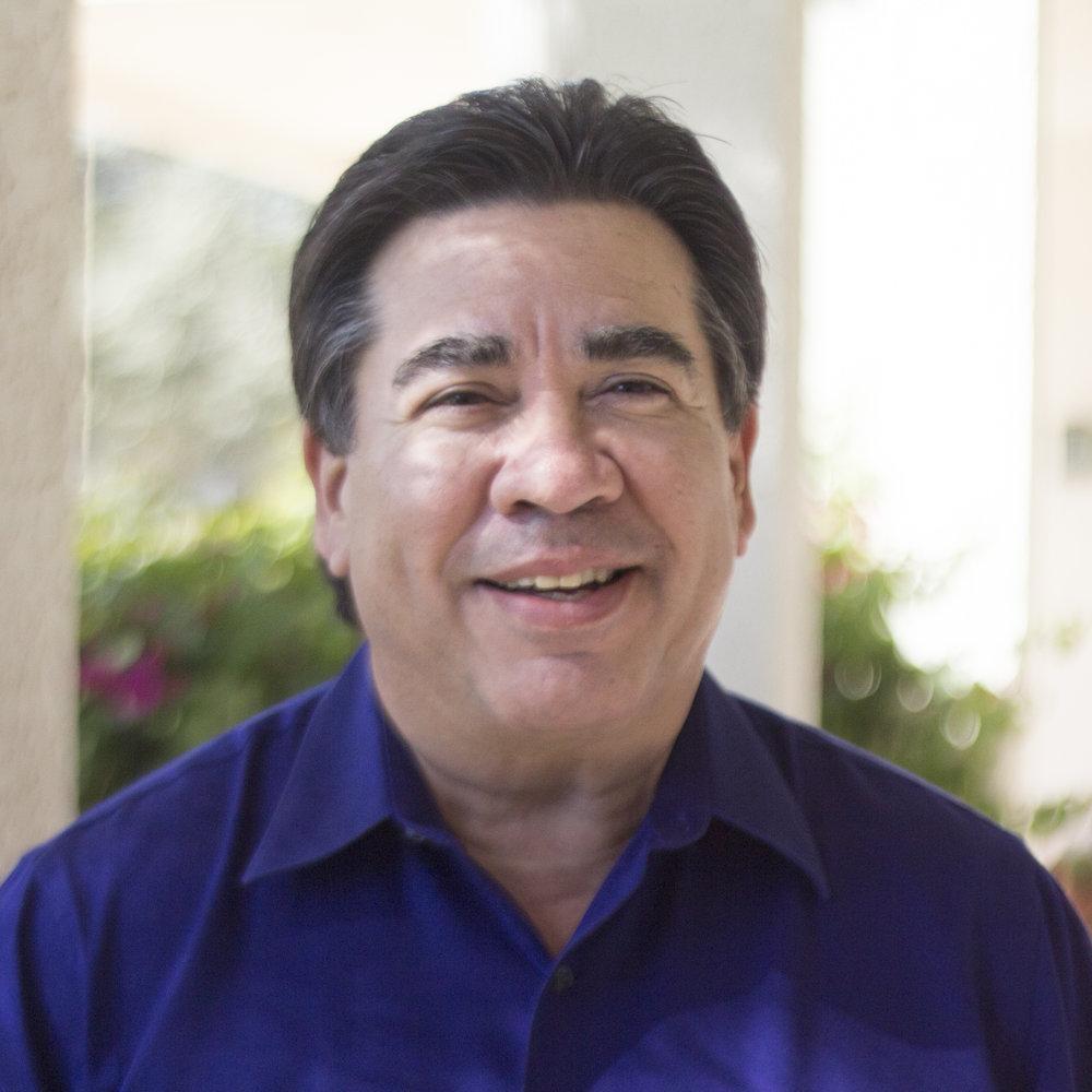 John tomó la decisión de recibir a Cristo cuando tenía 19 años después de un incidente que lo llevó a la cárcel. Recibió a Cristo en un estudio bíblico en la iglesia Gateway. John ahora sirve como unos de los ancianos de la iglesia. En 1979 se graduó de la universidad Baylor con una maestría en psicología y religión. En 1982 se graduó de la universidad National con una maestría de psicología de consejería. En 2006 se graduó de la universidad estatal de San Diego con una maestría en administración pública. Se casó con su esposa René en 1997, tienen cinco hijos y seis nietos.