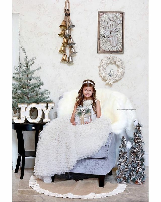 Super adorable #Repost @zoey_merchant ・・・ ❄️🎄❄️Dreaming of a white Christmas? Book your Nov 18th Christmas mini! 📸 @rosswoodphotography  Gown | @lorenfrancodesigns  Set | @camelliaconcepts  #dallas #fashion #love #fashiobdesigner #lorenfrancodesigns #lorenfranco  #photoshoot #fashion #designer #magazine  #fashionphotography #couture #model #modeling #kidsfashion #style #portrait #luxury #stylist #pretty #princess #dallasdesigner #dallasblogger #amazing #girl #fashionblogger #styleblogger #fashionista #ootd #fashionista #dallasstylist