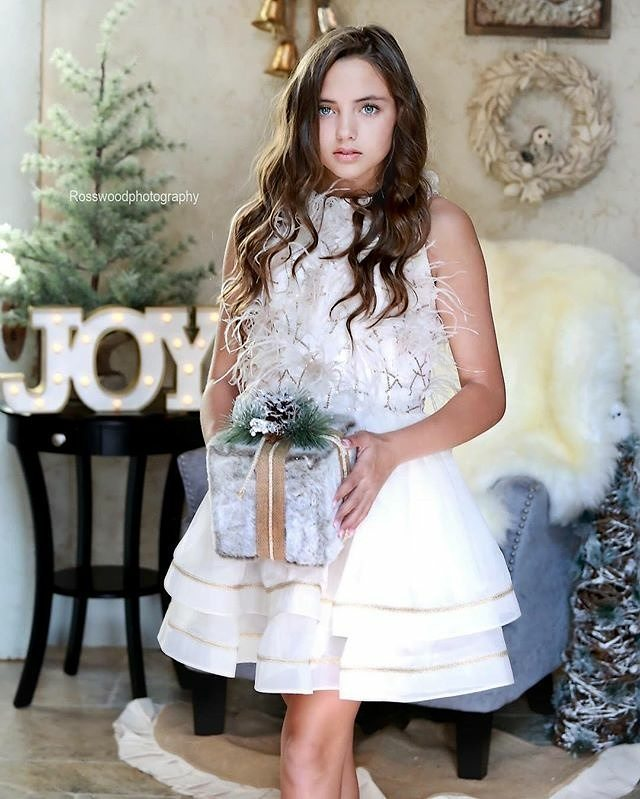 Beautiful holiday mini of Grace by @rosswoodphotography who is now booking in collaboration with @camelliaconcepts  #Repost @model_grace ・・・ Beautiful image by @rosswoodphotography with @camelliaconcepts 💕She is booking Holiday mini sessions for November 18th! Gorgeous dress by @lorenfrancodesigns 💕  #me #model #tee model #beautiful #love #holidays #photooftheday #igers #instagrammers #instagood  #dallasblogger #dallas #holiday #fun #couture #fashion #ivory #gown #kidafashion #tween #dowhatyoulove