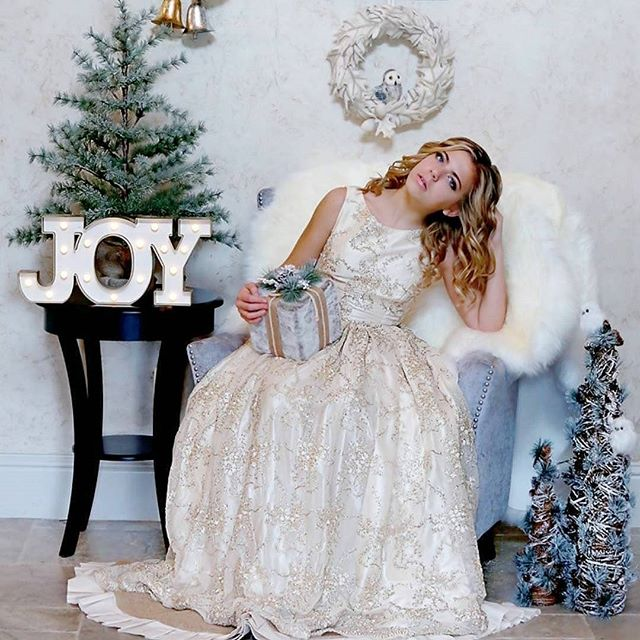 Miss @averyannstevens such a  gorgeous girl  #Repost @camelliaconcepts ・・・ Cuz Christmas is coming!!! Who needs their Holiday pictures taken??? *Date: November 18th *Time: Starting onsite professional hair and makeup at 1pm *Location: Camellia Concepts Venue in Argyle TX *Who: photographer Heather Furlow, Rosswood Photography *What: Holiday Glam with Loren Franco Designs gowns available in ALL sizes *For: December editorial feature in Texas Teen Models Official Magazine Email camelliaconceptsLLC@gmail.com for pricing, questions, or to participate!  #photography #photoshoot #holidays #Christmas #november #december #TTMOmagazine #editorial #lorenfrancodesigns #gorgeous #gowns #models #modeling #portfolio #dallasblogger #fashion #teen #dallasdesigner #fashiondesigner #editorial #dowhatyoulove #dallasnews #dallas #dallasblogger