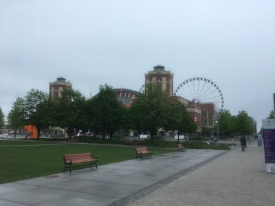 Bio break at Navy Pier.   Which is mostly what it's good for.