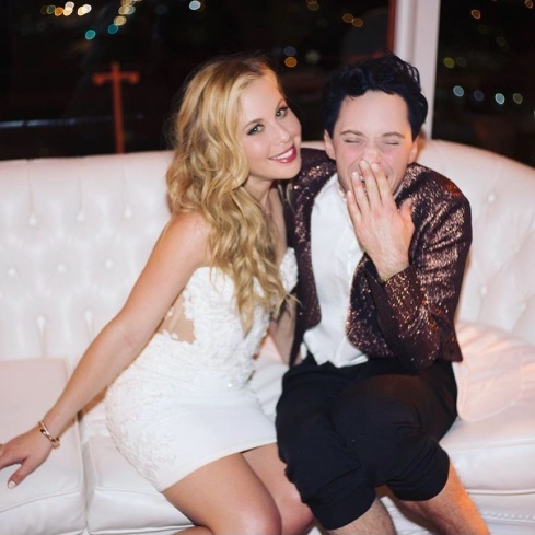 You Should Recognize The Figure Skating Commentators- They Are Former Olympians - POPSUGAR: The figure skating commentators at this year's Winter Olympics at Pyeongchang, South Korea, are best friends (and former Olympians) Tara Lipinski and Johnny Weir.(16 February 2018)