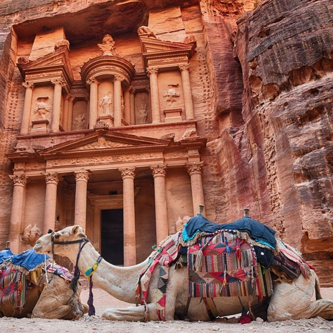 Discover Why This Middle Eastern Country Is a Holiday Favorite for the Royal Family - BRIT + CO