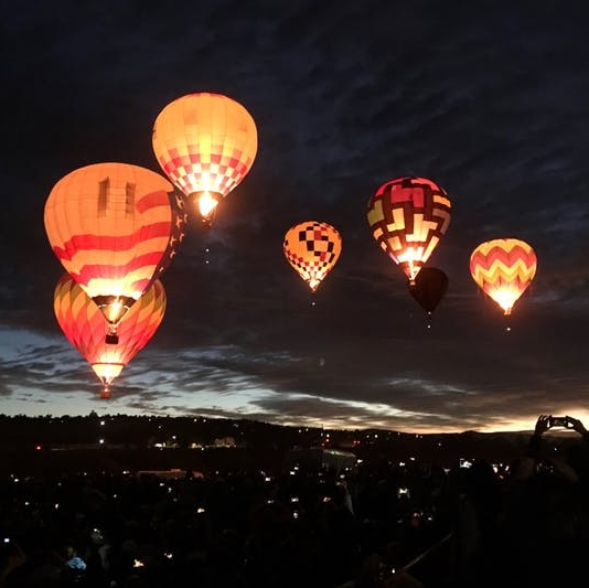 What I Learned Hot Air Ballooning Over the Nevada Desert - BRIT + CO: It was just after sunrise on the morning of the Great Reno Balloon Race. The largest free hot air balloon festival in the world draws a crowd of 120,000 to northern Nevada every year at the beginning of September.(6 November 2018)