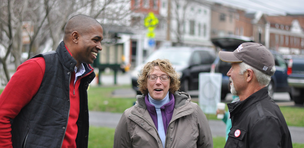 Antonio meets with neighbors in Downtown Rhinebeck