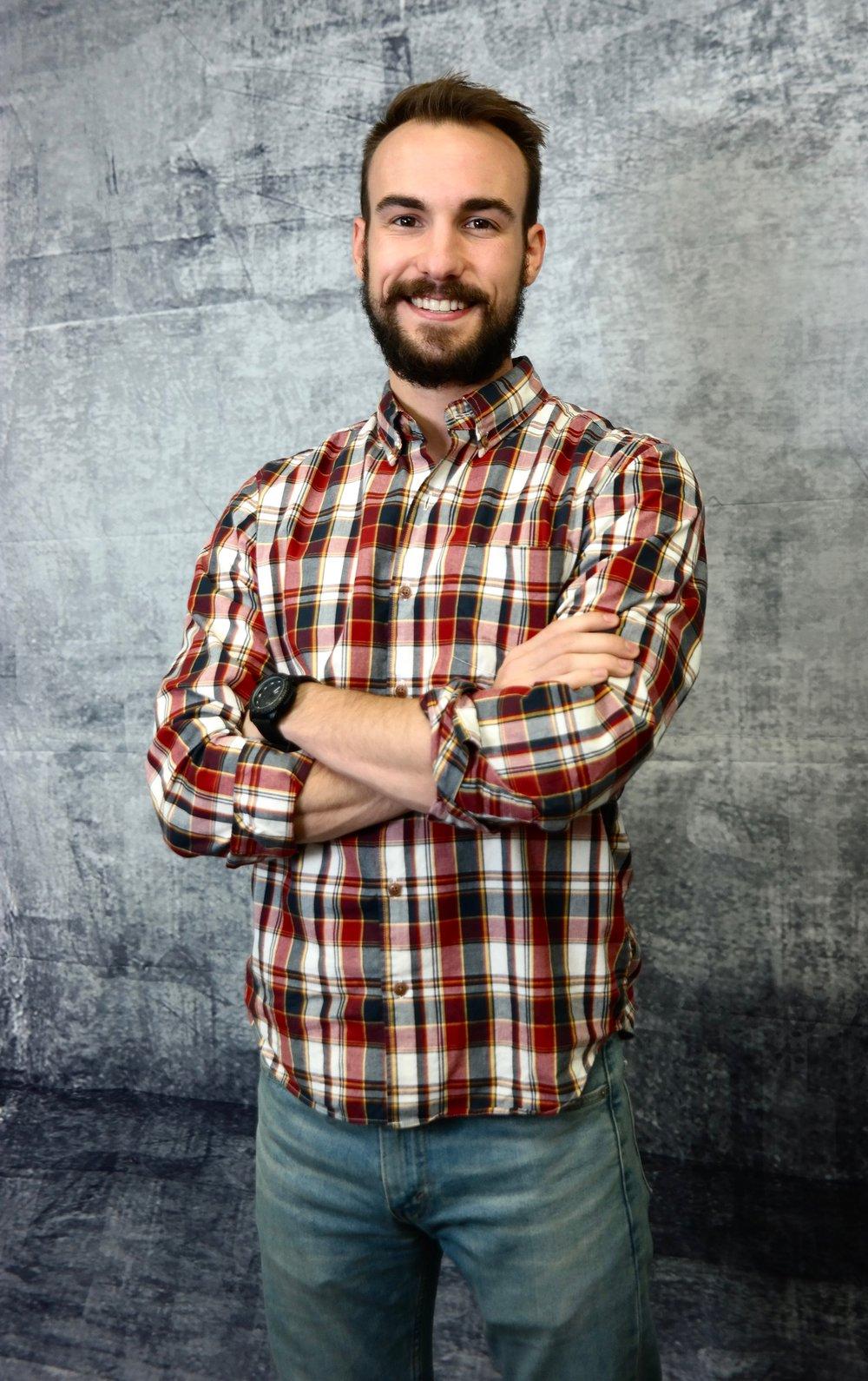 Chris Nipper,  Vocalist + Acoustic Guitarist