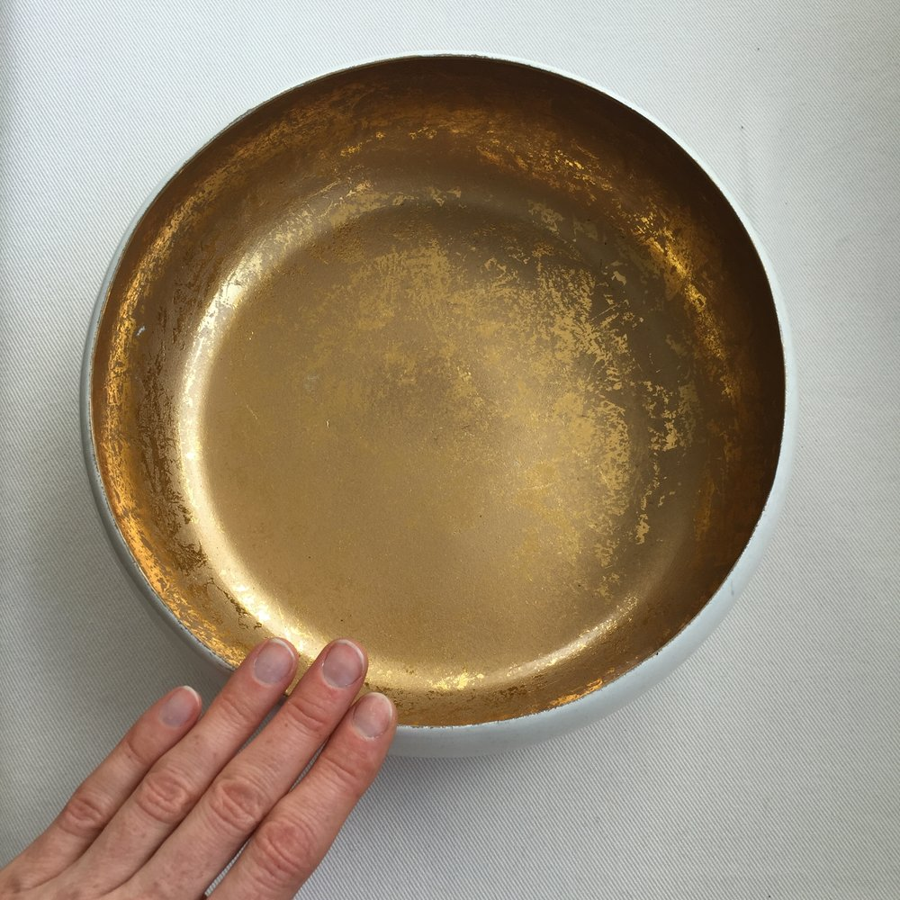 The gold within, like a bowl that on the outside looks plain and simple, on the inside sparkles with inner wealth . PC: Illumine Life