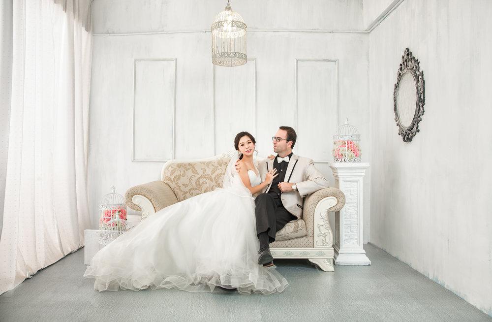 The pure & pristine white studio look.