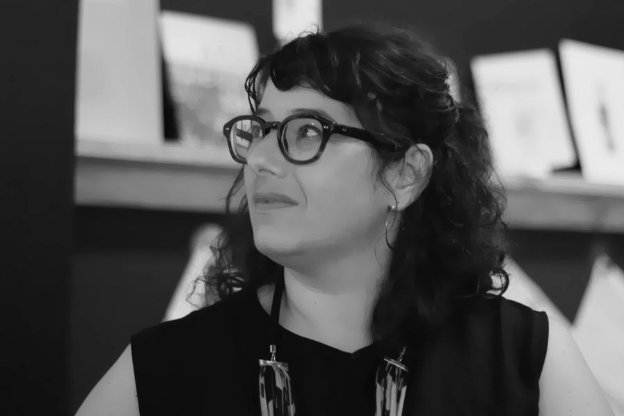 Mimi Zeiger (Los Angeles)