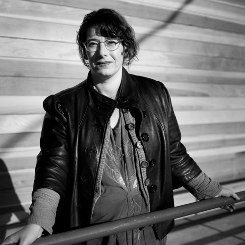 MIMI ZEIGER - Mimi Zeiger is a Los Angeles-based critic, editor, and curator.