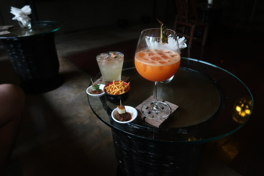 Image: Don't miss the daily complimentary cocktail hour.